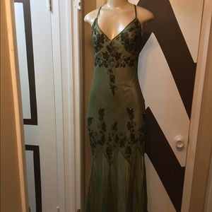 NWT PAPELL BOUTIQUE silk embroidered evening gown.